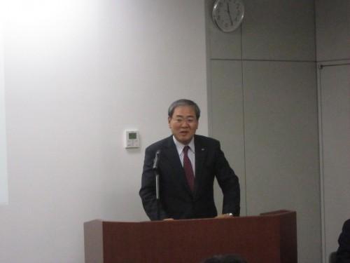 国内販売について説明する山崎豊隆トーヨータイヤジャパン社長