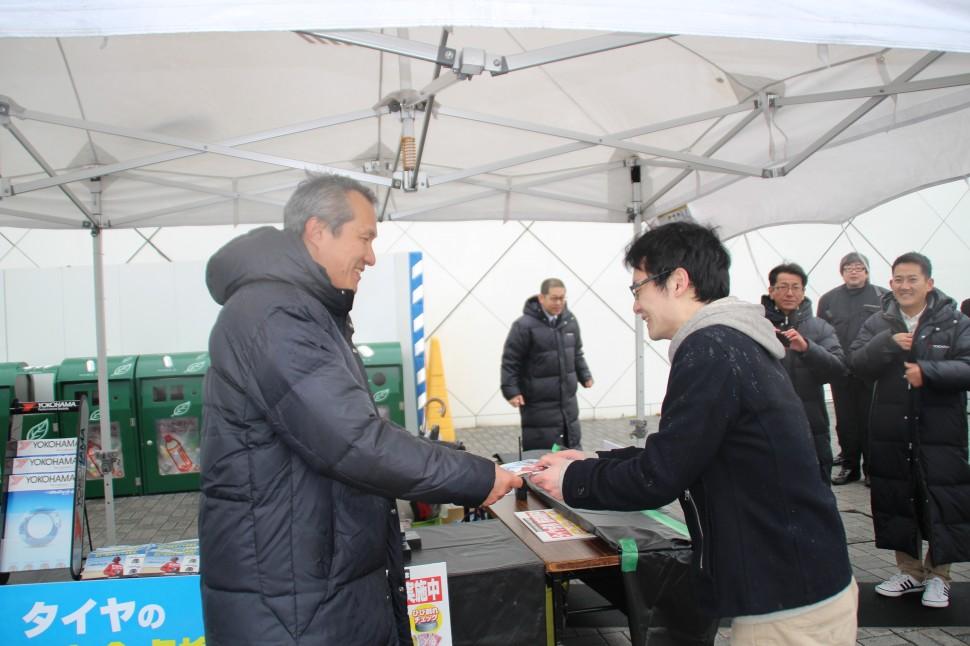 タイヤ点検の重要性を説くヨコハマタイヤジャパンの三上社長
