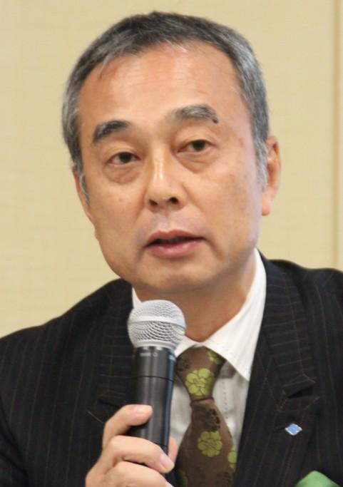 製品開発の方向性などについて語る村岡執行役員
