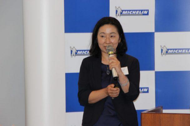 輸送業界が抱える課題などを解説する石井氏