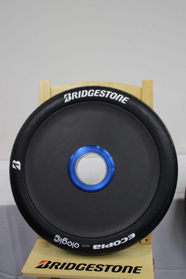 ブリヂストンのソーラーカー専用タイヤ「エコピアウイズオロジック」