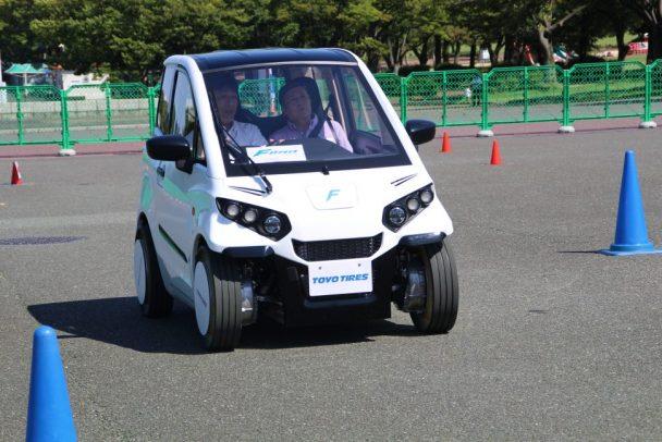 FOMM「超小型電気自動車」に装着したノアイア