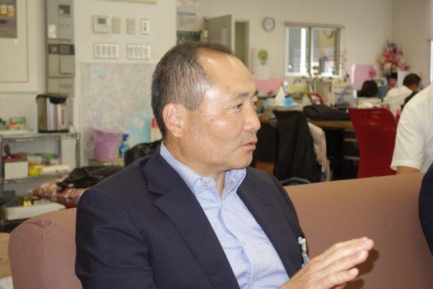 コンテストについて説明するヨコハマタイイヤジャパンの池田均社長