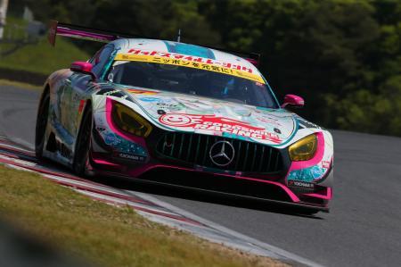 SUPER GT/GT300GOODSMILE RACING & TeamUKYOの「グッドスマイル 初音ミクAMG」(2017年)